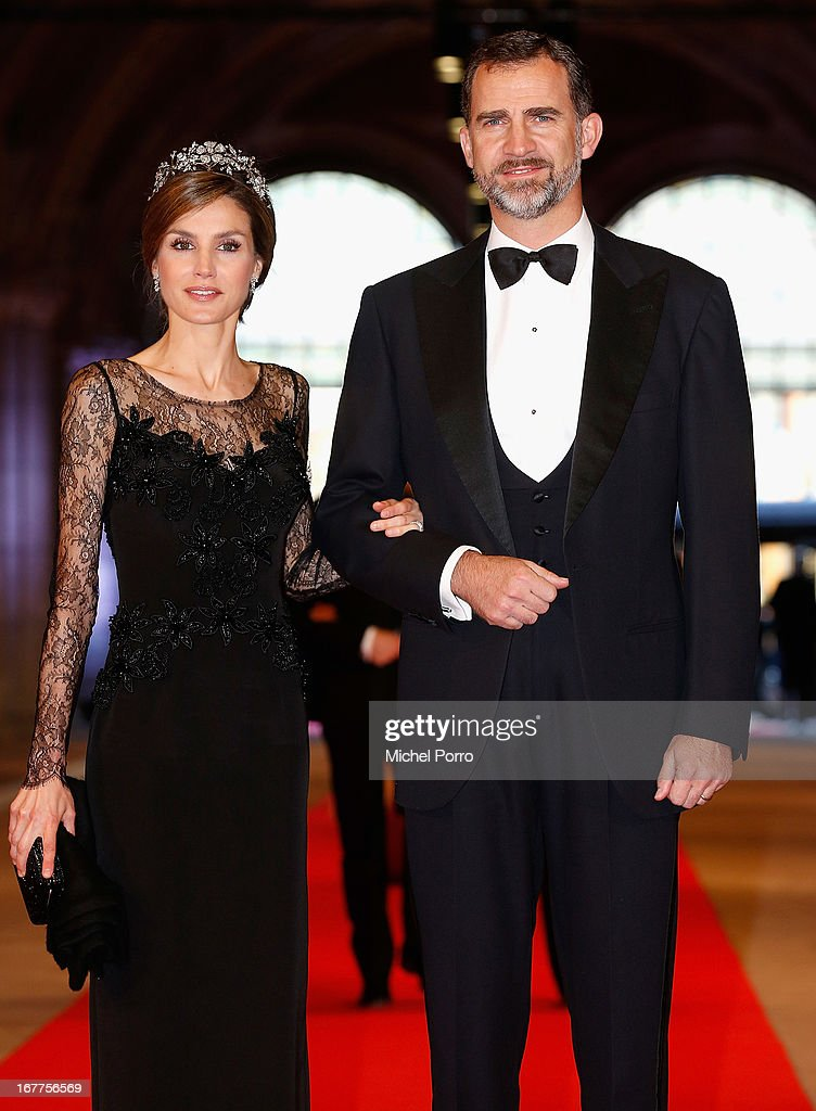 Princess Letizia of Spain and Prince Felipe of Spain attend a dinner hosted by Queen Beatrix of The Netherlands ahead of her abdication in favour of Crown Prince Willem Alexander at Rijksmuseum on April 29, 2013 in Amsterdam, Netherlands.