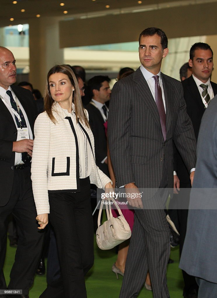Spain?s Prince Felipe Attends 'World Future Energy Summit' in Abu Dhabi : News Photo