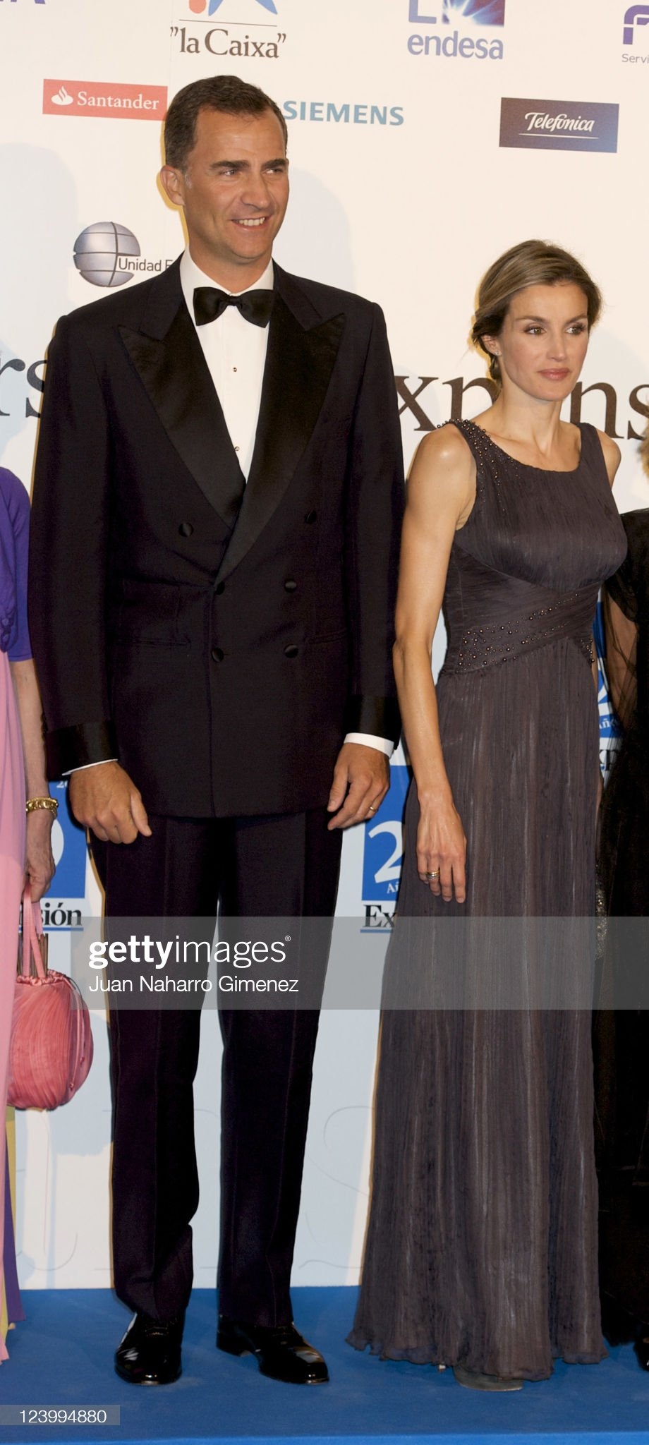 Вечерние наряды Королевы Летиции Prince Felipe and Princess Letizia Attend the XXV Anniversary of 'Expansion' Newspaper : News Photo