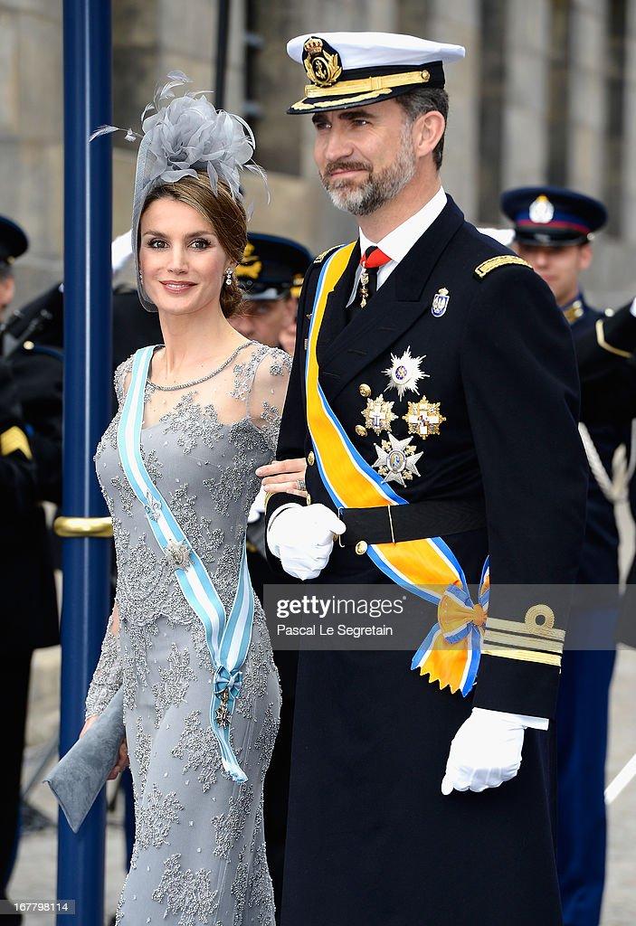 Inauguration Of King Willem Alexander As Queen Beatrix Of The Netherlands Abdicates : Fotografía de noticias