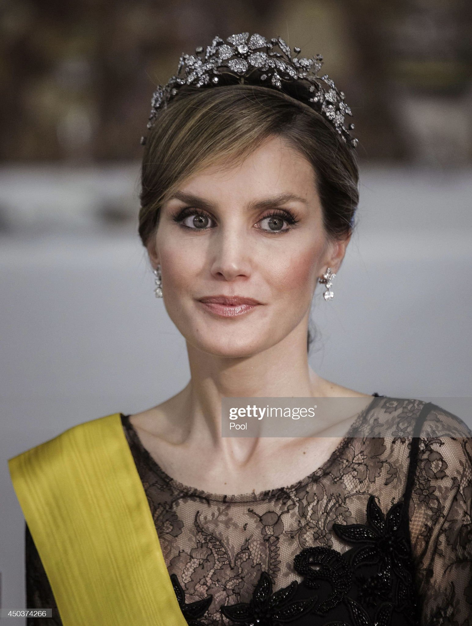 Вечерние наряды Королевы Летиции Spanish Royals Host a Dinner With President of Mexico and His Wife : News Photo