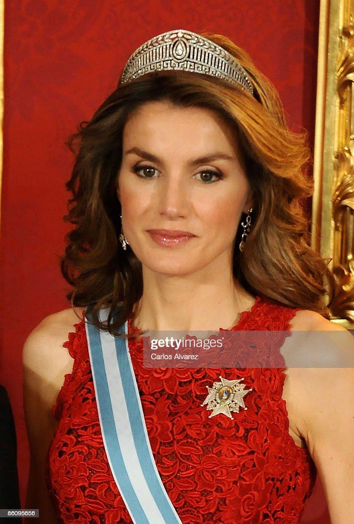Spanish Royals Host Gala Dinner Honouring India President : News Photo