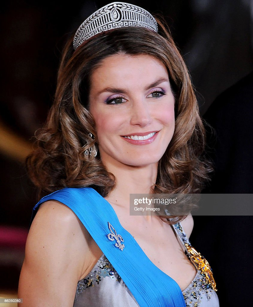 Spanish Royals Host Gala Dinner Honouring Nicolas Sarkozy & Carla Bruni : News Photo