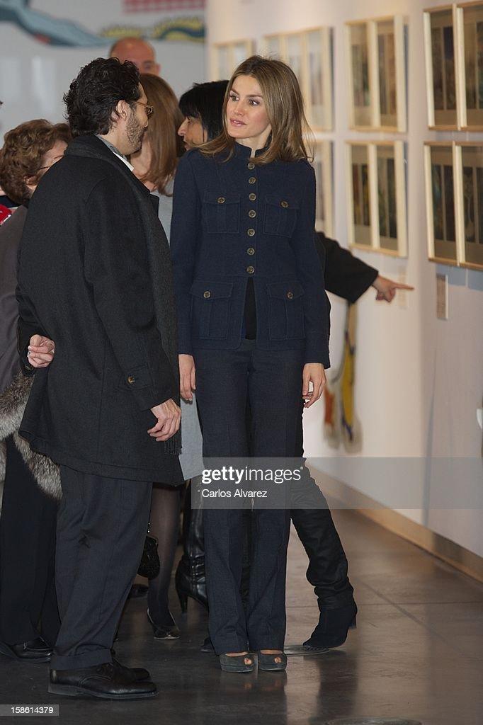 Princess Letizia of Spain (C) attends 'A Que Sabe este Libro' exhibition at Cuartel Conde Duque on December 21, 2012 in Madrid, Spain.