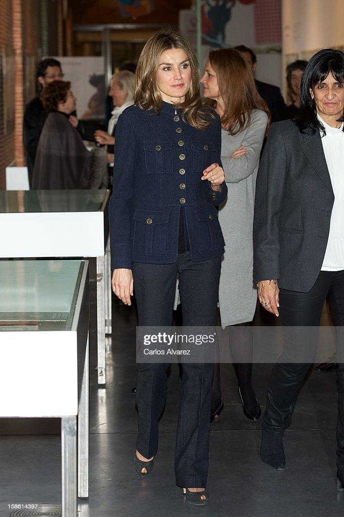 Princess Letizia of Spain Attends 'A Que Sabe este Libro' Exhibition Hall : News Photo
