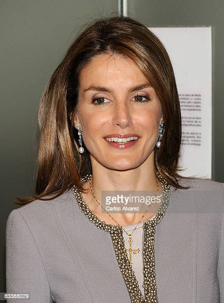 """Princess Letizia of Spain attends """"Cruces Del Arte"""" opening exhibition at Conde de Toreno Palace on October 22, 2008 in Oviedo, Spain."""