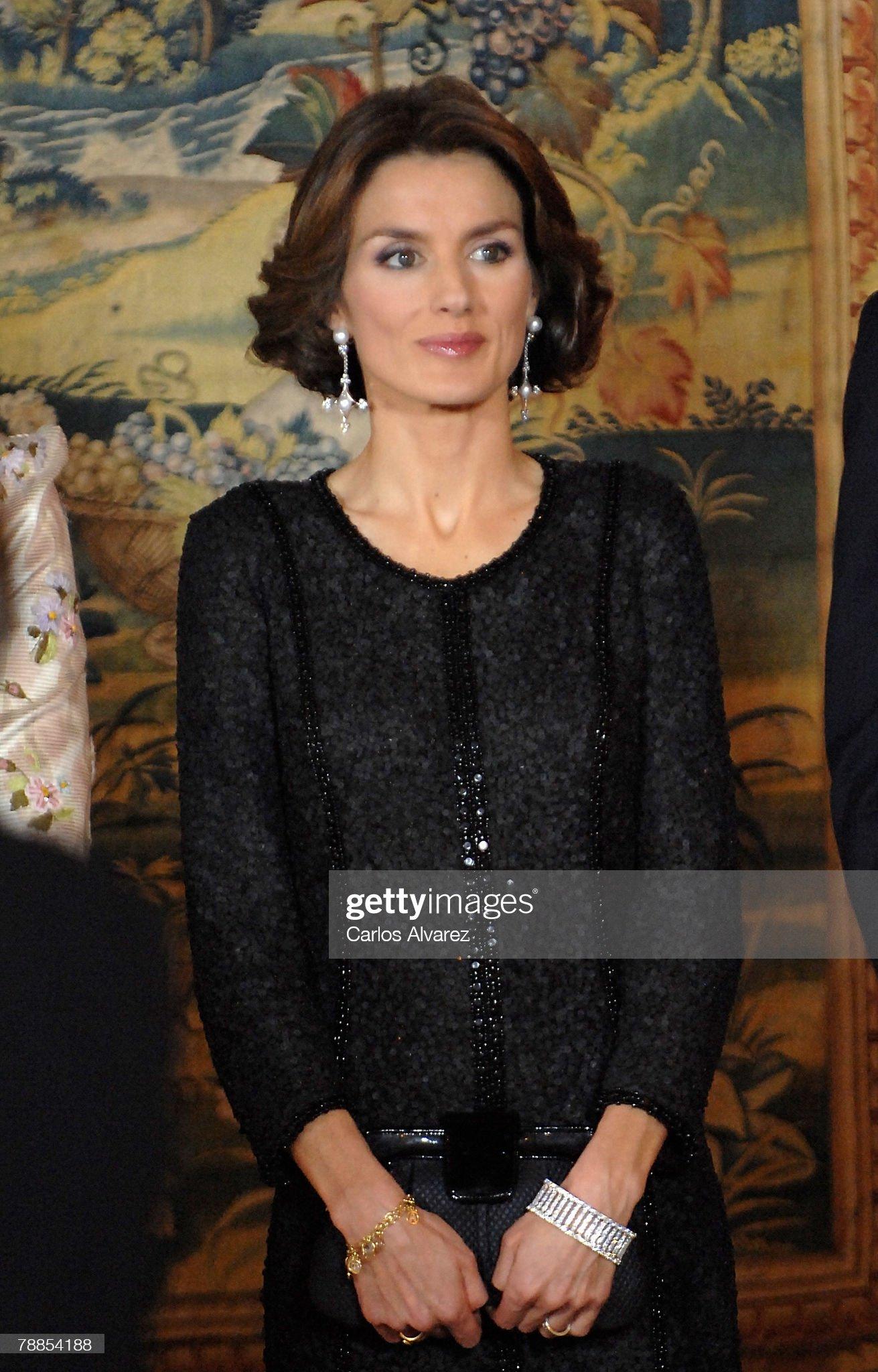 Вечерние наряды Королевы Летиции King Juan Carlos 70th Birthday Gala Dinner : News Photo