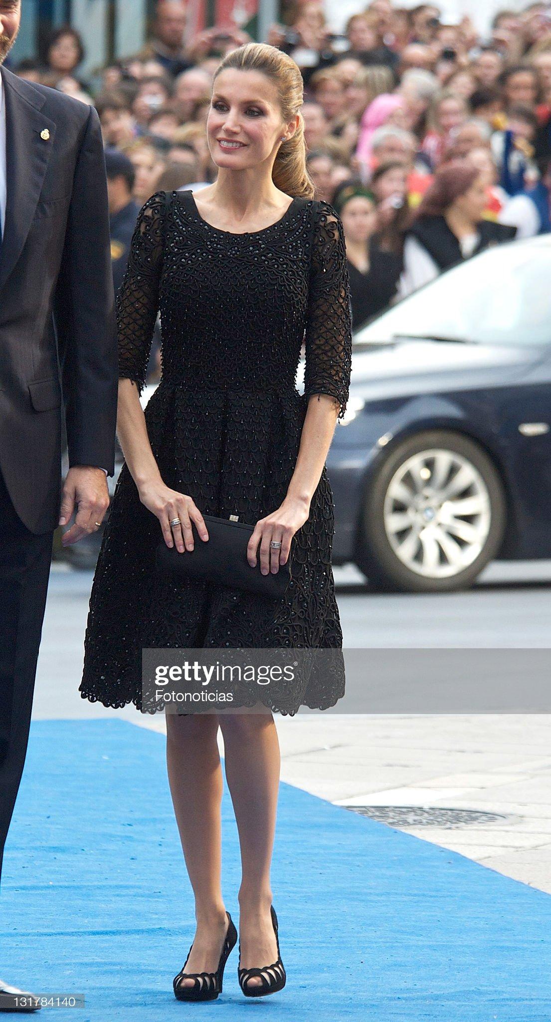 Вечерние наряды Королевы Летиции 'Principes de Asturias' Awards 2010 - Arrivals : News Photo