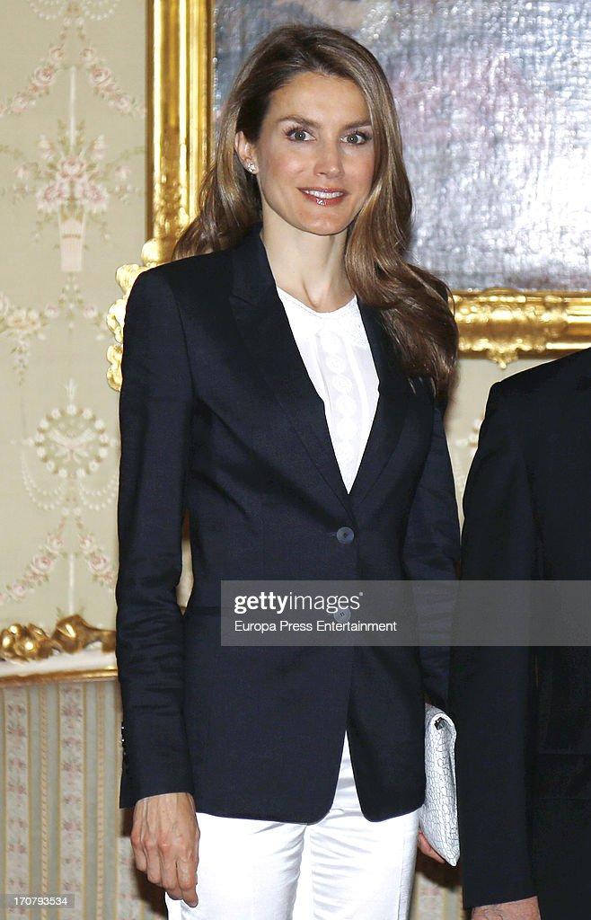 Spanish Royals Meet Members of the 'Principe de Asturias Foundation' : News Photo