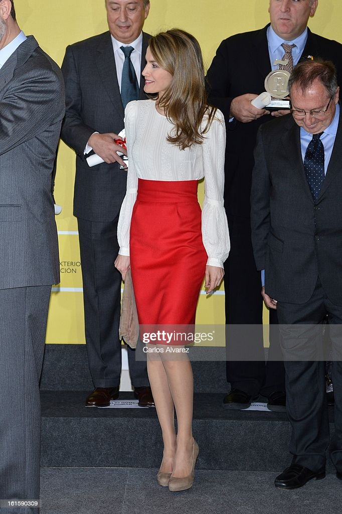 Spanish Royals Deliver Acreditations for Honorary Ambassadors of the Brand 'Spain' : News Photo
