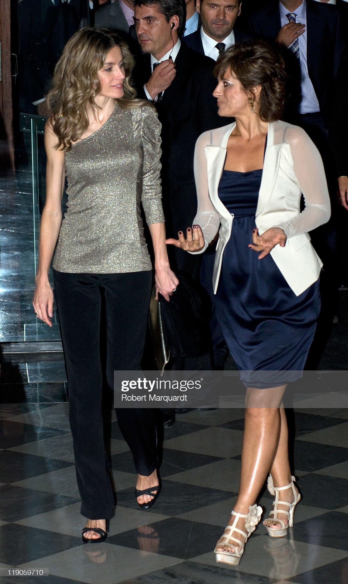 Prince Felipe of Spain and Letizia Attend AIJEC 25th Anniversary Gala : News Photo