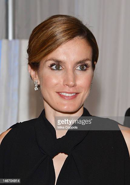 Princess Letizia of Spain attends the Inaugural Dinner for the XVII United StatesSpain Council Forum on June 22 2012 in Jersey City New Jersey