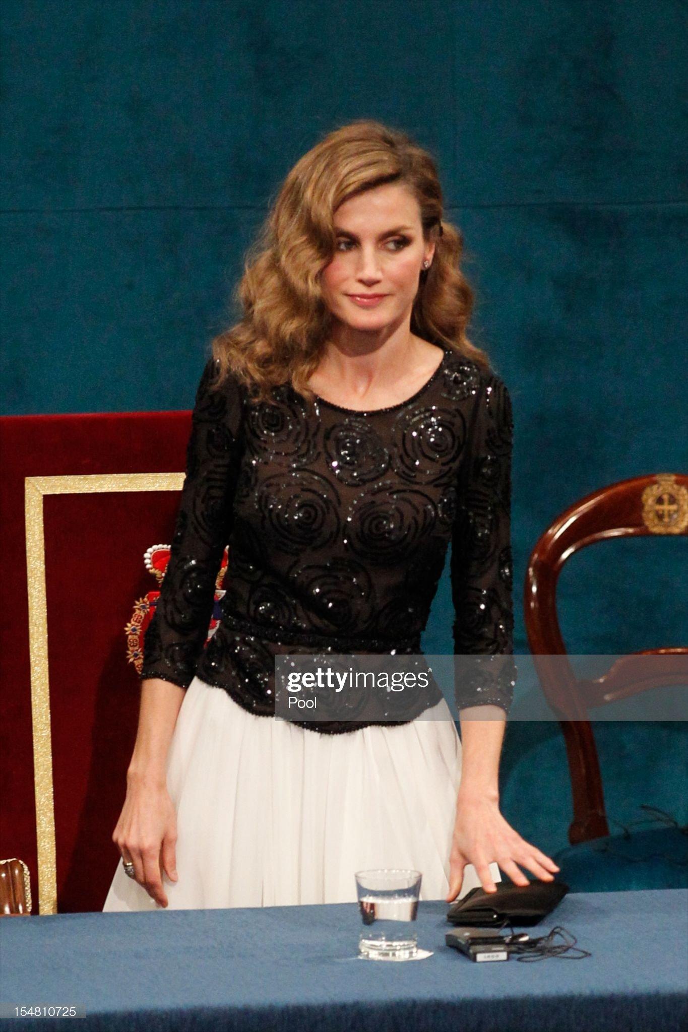 Spanish Royals Attend Principes de Asturias Awards 2012 - Gala : News Photo