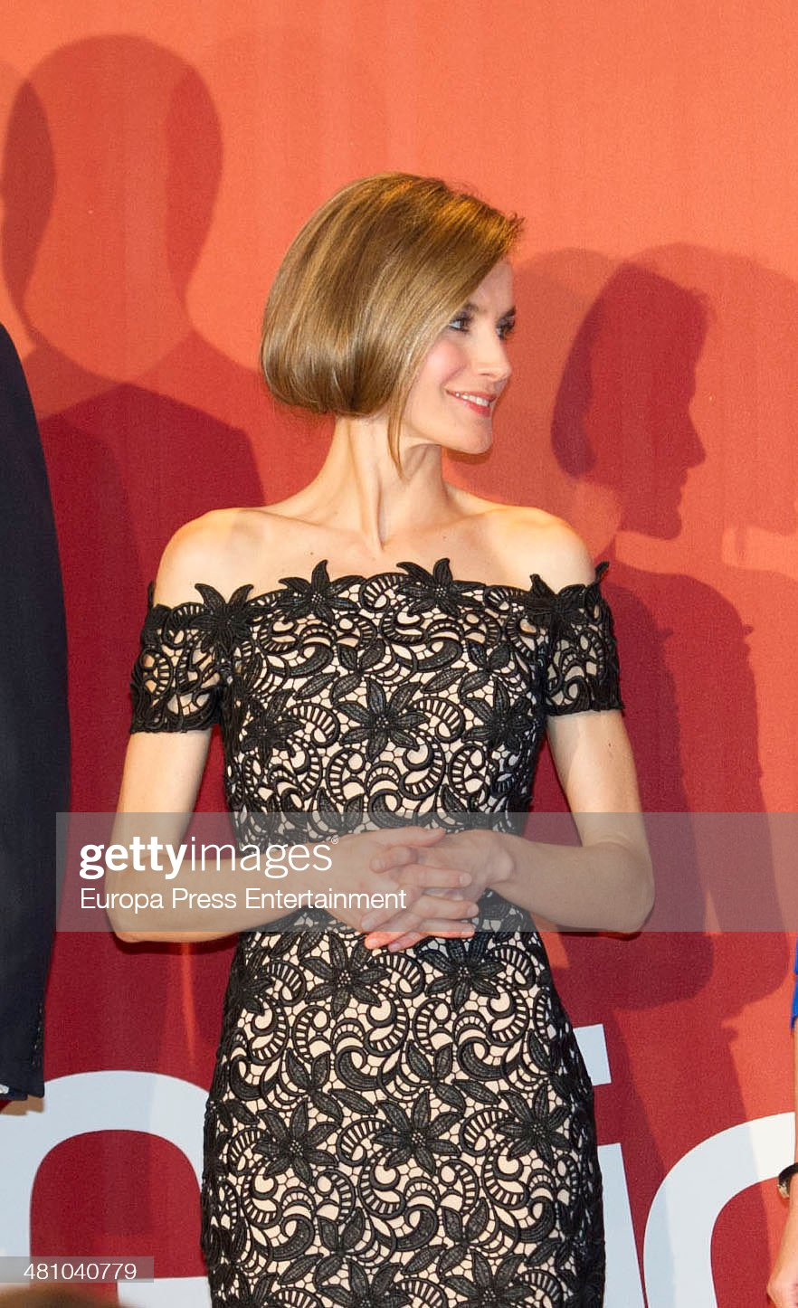 Вечерние наряды Королевы Летиции Spanish Royals Attend 'XIV Young Businessman National Award' : News Photo