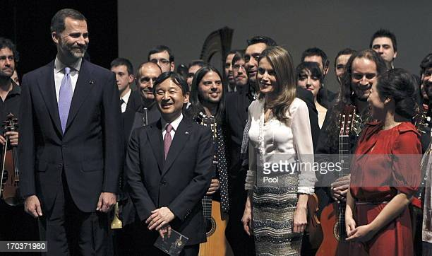 Princess Letizia of Spain Crown Prince Naruhito of Japan and Prince Felipe of Spain pose with the artist after the performance the Royal Theatre on...