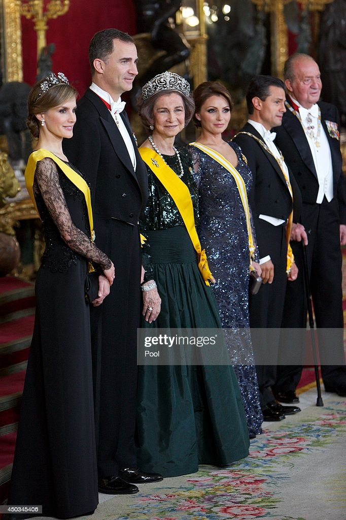 Princess Letizia of Spain, Prince Felipe of Spain, Queen Sofia of Spain, Mexican President's wife Angelica Rivera, Mexican President Enrique Pena Nieto and King Juan Carlos of Spain pose for the photographers before the Gala Dinner in honour of Mexican President Enrique Pena Nieto at The Royal Palace on June 9, 2014 in Madrid, Spain.