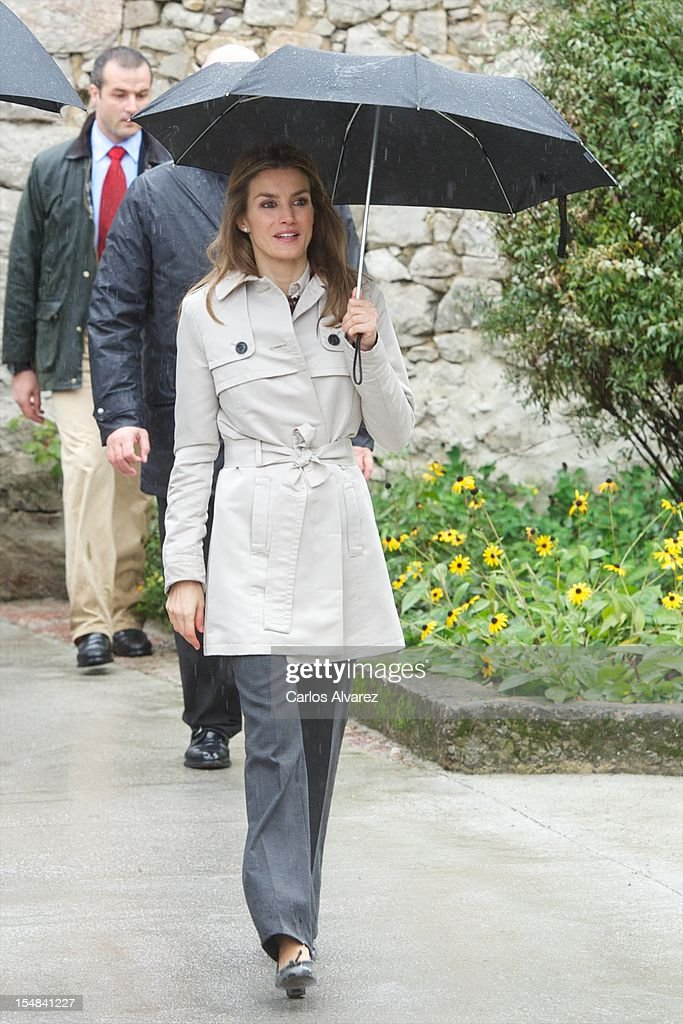 Spanish Royals Visit Bueno Village : News Photo