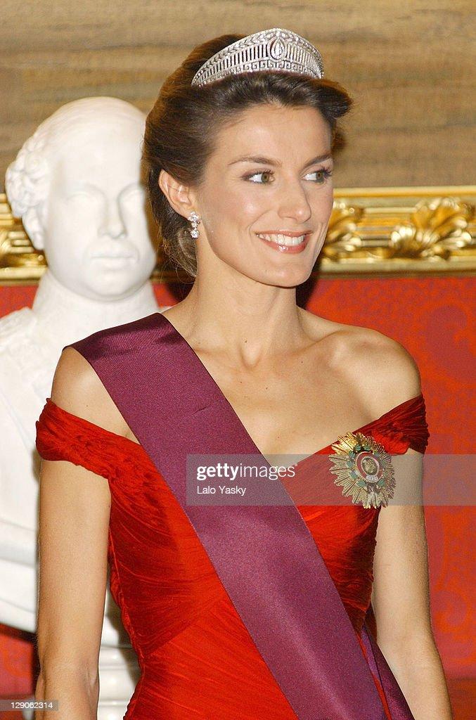 Gala Dinner at Spain's Royal Palace : News Photo