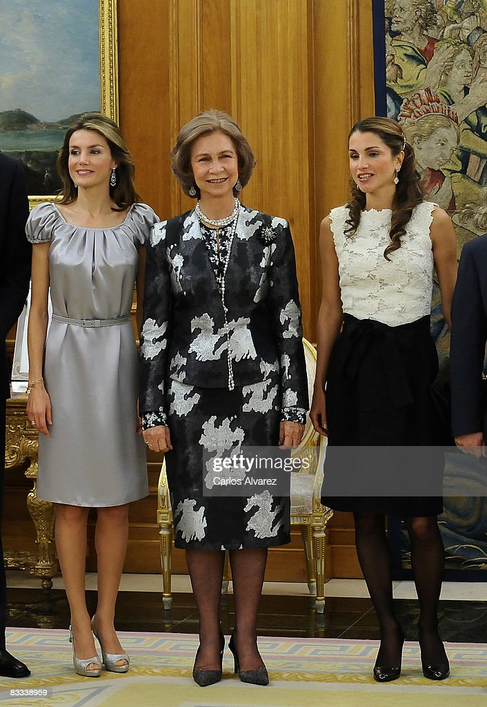 Spanish Royals Host Dinner Honouring Jordan Royals : News Photo