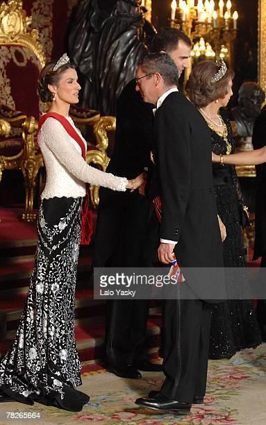 Princess Letizia receives Mayor Antonio Ruiz Gallardon at the Gala Dinner in honour of the President of The Philippines Gloria Macapagal and her...