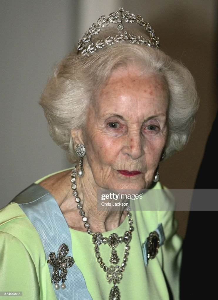 Princess Lilian of Sweden arrives for the Gala Dinner at Royal Palace to celebrate King Carl Gustaf XVI of Sweden's 60th Birthday on April 30, 2006 in Stockholm, Sweden.