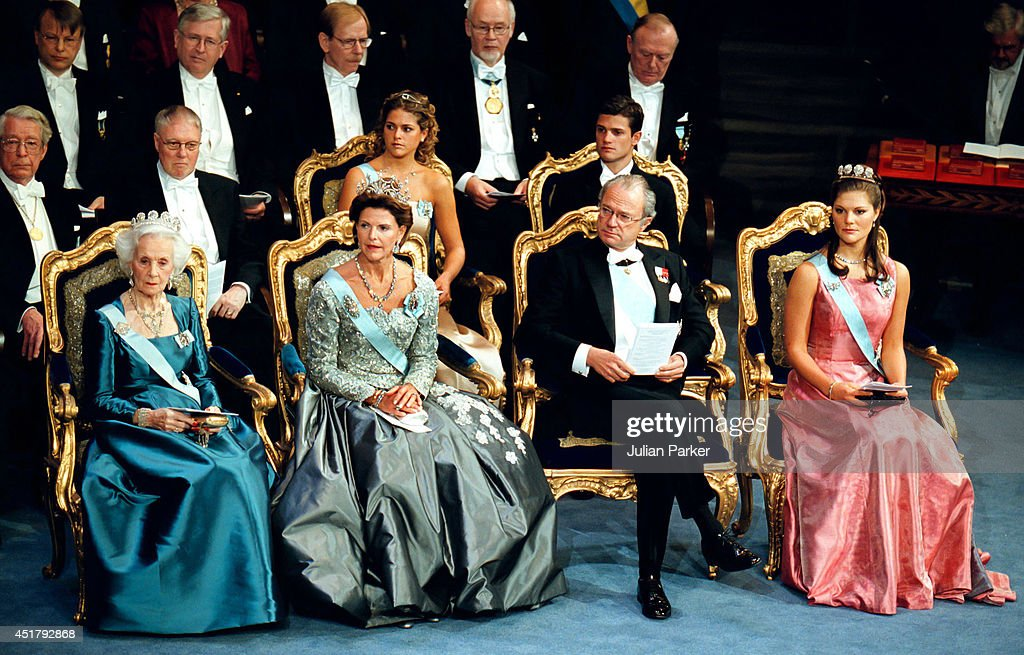 Nobel Ceremony Stockholm 2000 : News Photo