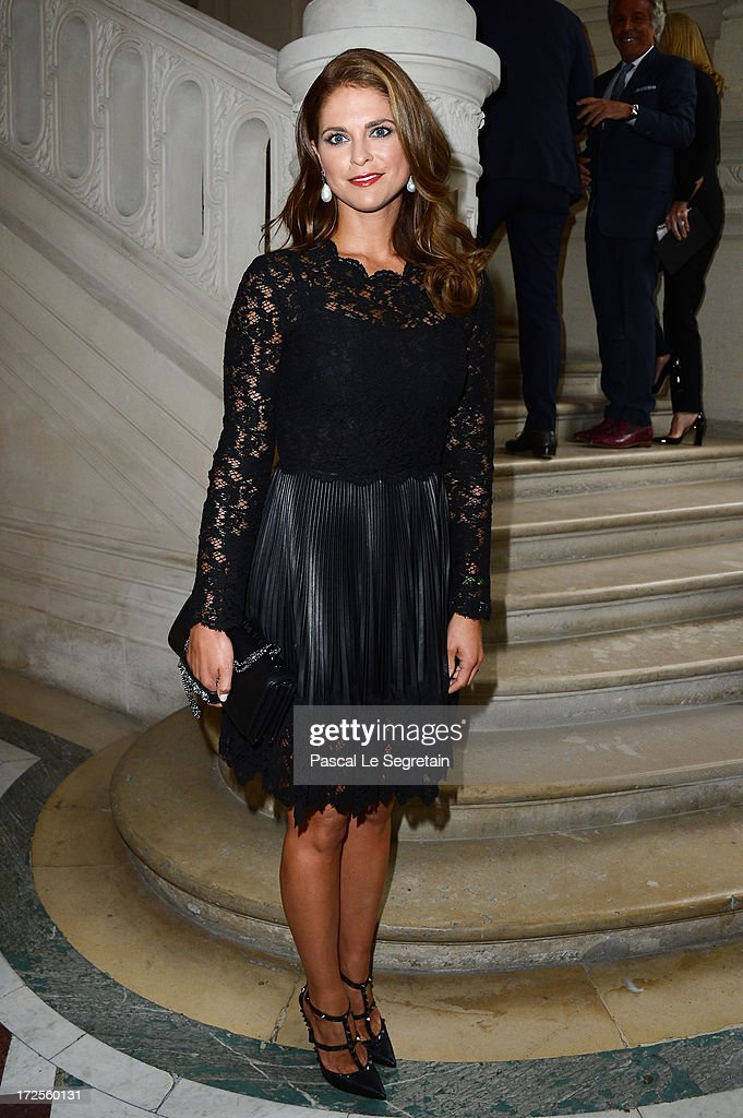 Valentino: Front Row - Paris Fashion Week Haute-Couture F/W 2013-2014 : News Photo