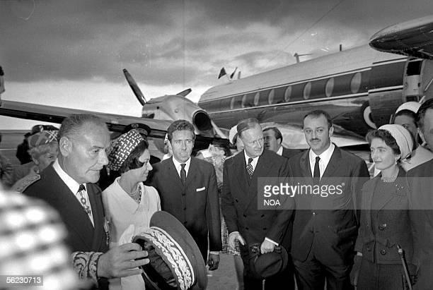 Princess Margaret of England and Tony ArmstrongJones his husband Nice airport May 1966 HA105838