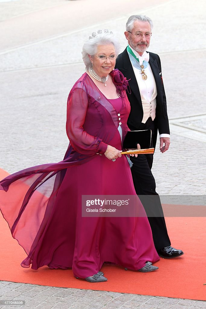Ceremony And Arrivals:  Wedding Of Prince Carl Philip Of Sweden And Sofia Hellqvist : Photo d'actualité