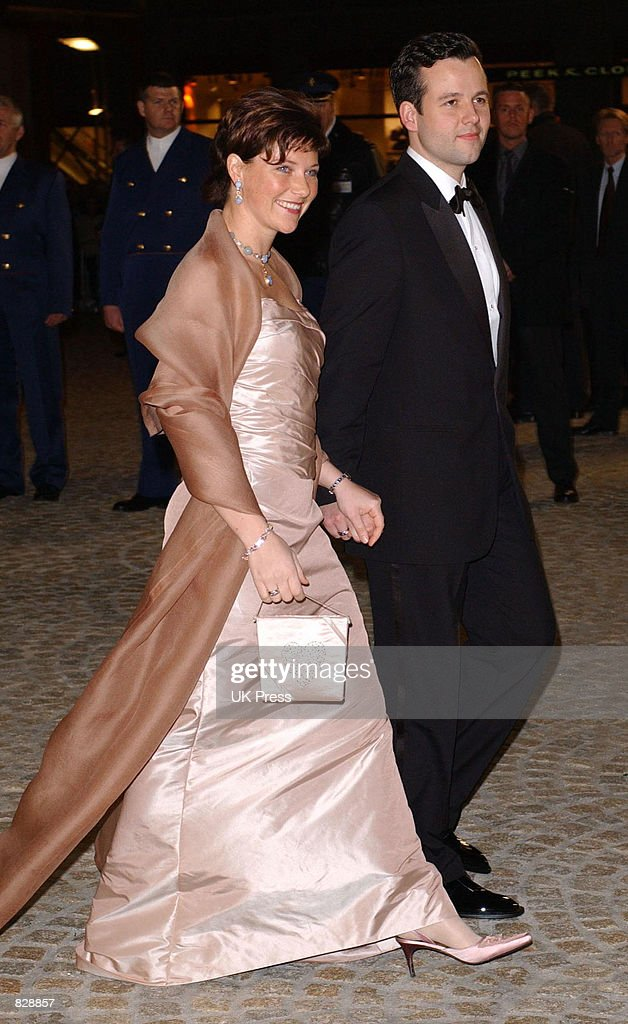 Arrivals for Dinner and Party at Royal Palace in Amsterdam : News Photo