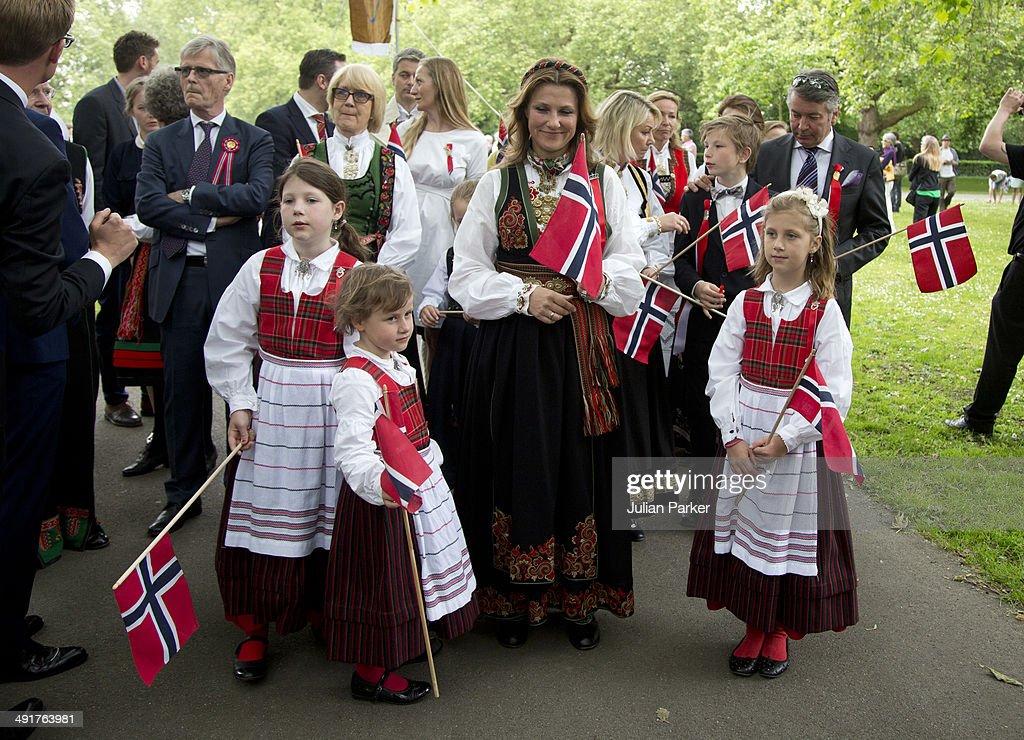 Norway National Day Is Celebrated In London : Fotografía de noticias