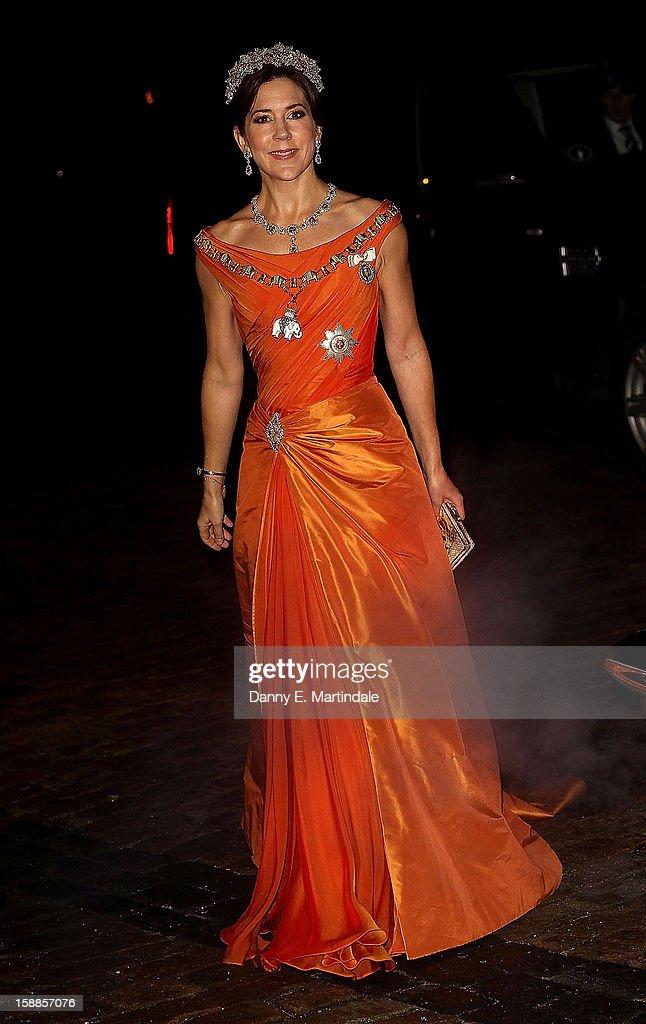 Queen Margrethe Hosts New Year's Banquet. : News Photo