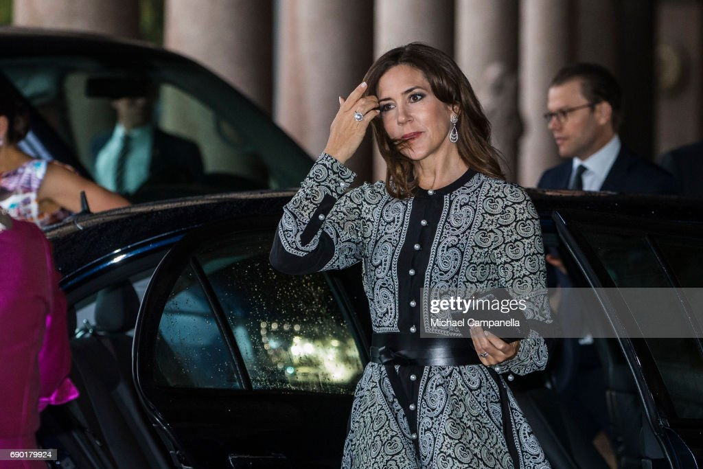Princess Mary of Denmark arrives Stockholm city hall for an official dinner on May 30, 2017 in Stockholm, Sweden.