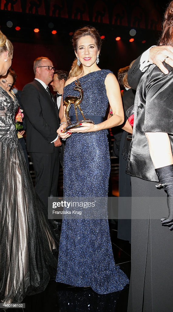 Princess Mary of Denmark poses with her award after the Bambi Awards 2014 show on November 14, 2014 in Berlin, Germany.