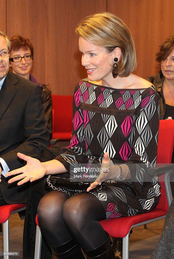 """Princess Mathilde Meets """"MyFashion"""" Workshop Participants : Nieuwsfoto's"""