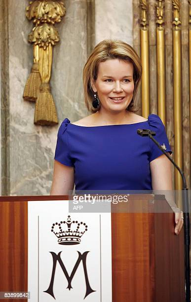 """Princess Mathilde of Belgium delivers a speech during the 2008 Princess Mathilde Prize ceremony which awarded two Anderlecht's parents network, """"Mijn..."""