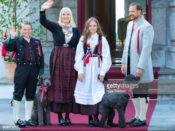 Princess Mette Marit of Norway Prince Sverre Magnus of Norway Princess Ingrid Alexandra of Norway Prince Haakon Magnus of Norway Muffins Krakebolle...