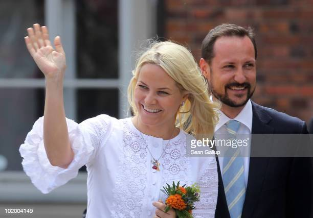 Princess MetteMarit of Norway and Prince Haakon of Norway arrive at the main square on June 12 2010 in Stralsund Germany The Norwegian prince and...