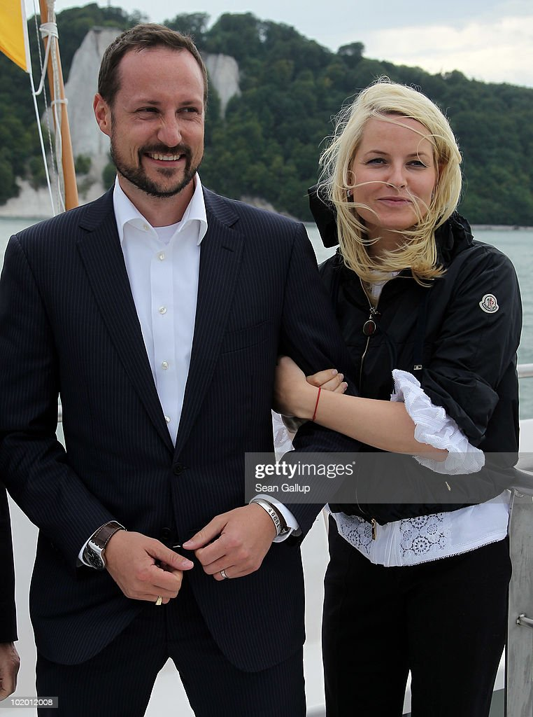 Princess Mette-Marit and Prince Haakon of Norway Visit Northern Germany : News Photo
