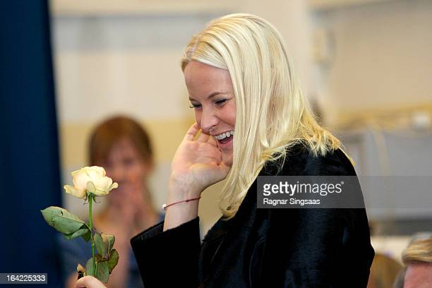 30 Hochwertige Princess Mette Marit Visits The Ullevalsveien