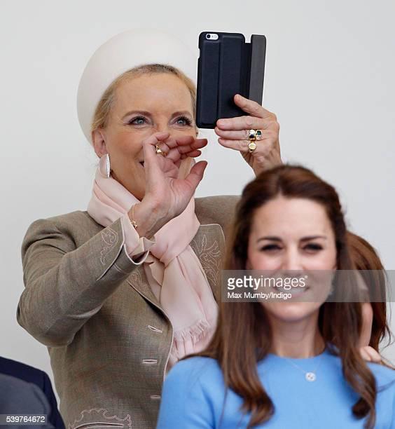 Картинки по запросу Princess Michael of Kent and Duchess of Cambridge