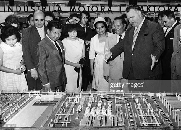 Princess Norodom Monineath Sihanouk, head of the Cambodian delegation at the Belgrade Conference of non-aligned countries, Mrs. Broz and President...