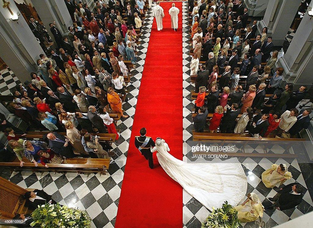 SPAIN-ROYALS-FELIPE-LETIZIA-BASILICA-ATOCHA-WEDDING : News Photo