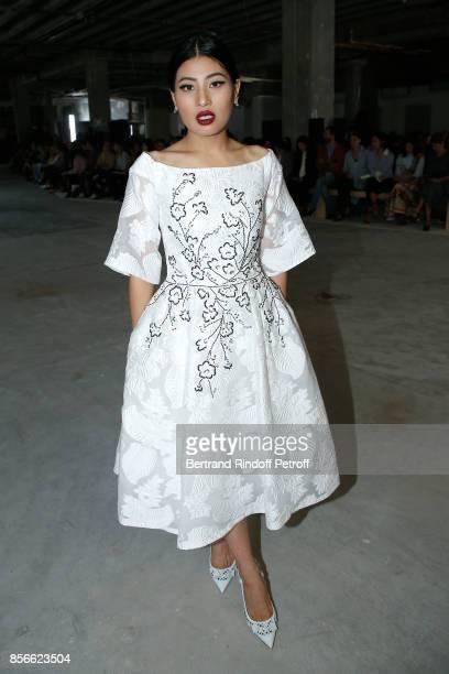 1f8714679 Giambattista Valli Runway Rtw Spring 2018 Paris Fashion Week ...