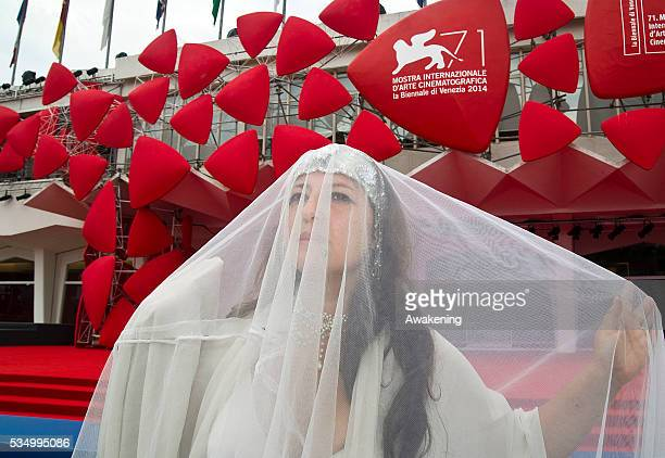 ENICE ITALY SEPTEMBER 04 Princess of the Veil 'Argentina Verderame' during the Venice Film Festival during a performance before the screening of the...