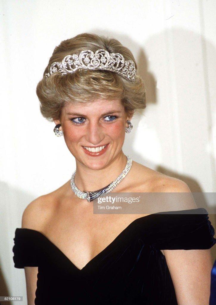 Diana Oman Jewels Edelstein Dress : News Photo