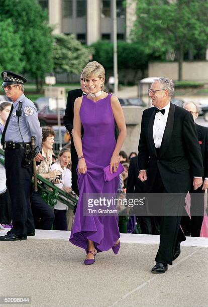 Princess Of Wales In Chicago, USA, Arriving For A Gala Dinner At The Field Museum Of Natural History.