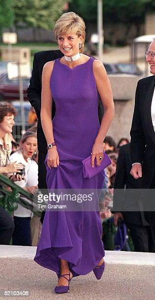 Princess Of Wales In Chicago, USA, Arriving For Gala Dinner At Field Museum Of Natural History. Diana Is Wearing A Dress Designed By Fashion Designer...