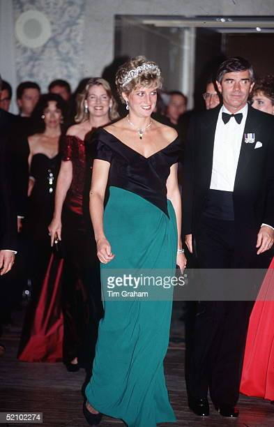 Princess Of Wales In Torontocanada At The Royal York Hotel For A Gala Dinner Hosted By The Lester B Pearson College Wearing A Green And Black Silk...