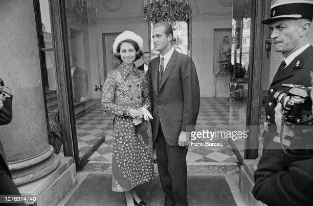 Princess Sofia and Prince Juan Carlos, future king and queen of Spain, are welcomed at the Elysee Palace, in Paris.